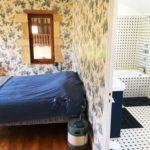 Chambre double avec vue sur salon et jardin